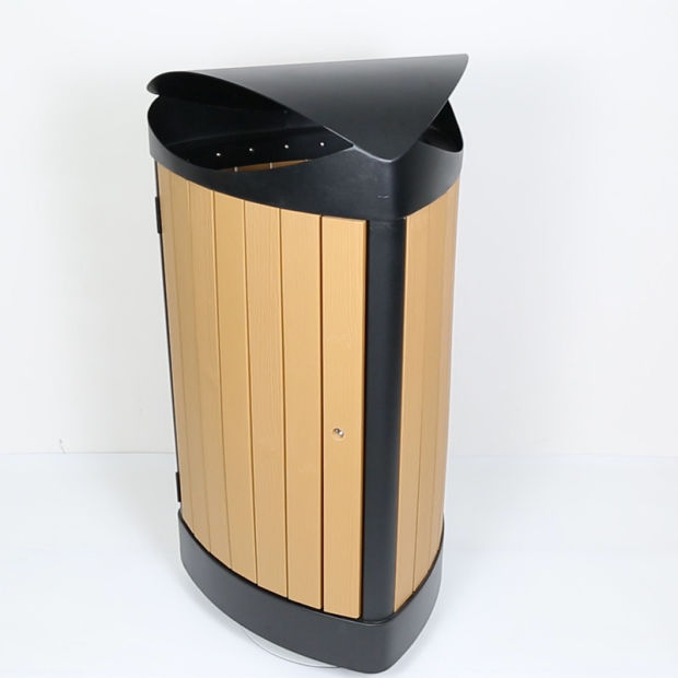 Outdoor Metal Dustbin/Garbage Bin/ Waste Bin/Trash Can with Plastic Wood for Hotel Supply (HW-534) pictures & photos