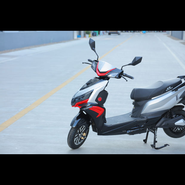 EEC Certificate with High Speed 72V 3000W 32ah Lithium Battery of Electric Motorcycle From China pictures & photos