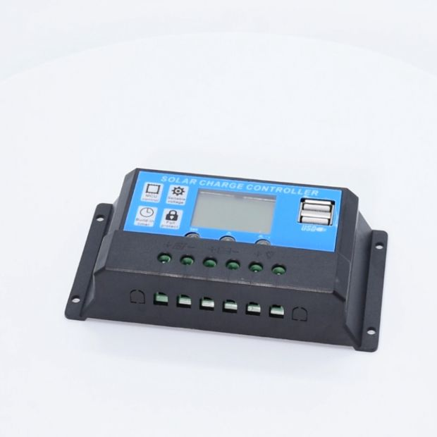 China 1024 Model 1224V 10A MPPT PWM Solar Charge Controller with 2