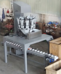 Automatic Bottle/Cans/Box/Carton/Container Filler with Weigher for Solid Products