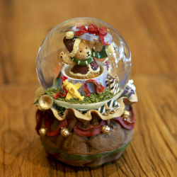 Wholesale Water Globe Resin Christmas Balls