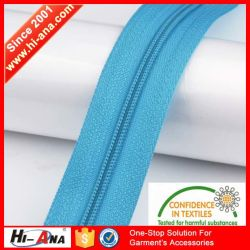 Our Factories 20 Years'experience Custom Zipper Roll