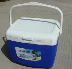 Insulated Plastic Cooler Boxes to Keep Cool and Warm and Freshing