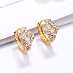 Fashion 18K 14K Gold Plated Costume Imitation Jewelry with CZ Pearl Huggie Hoop Earring for Women