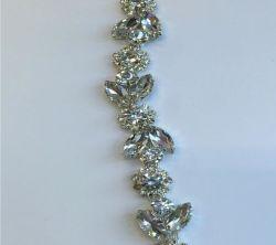 Wholesale Top Selling Special Flower Rhinestone Cupchain Silver Setting  Close Set Rhinestone Chain for Garment Bags 526b61b228db