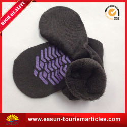 Machine Knitting Cheap Simple Socks for Airline & Travel