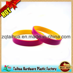 Fashion Embossed Color Filled Silicone Wristband with Thb-001