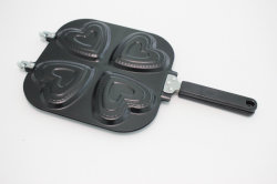 Double Side Carbon Steel Non-Stick Heart Shaped Cake Pan with Handle