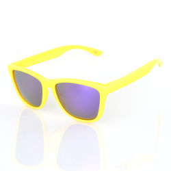 6214171876b6 High Quality Polycarbonate Men Woman Polarized Cat3 UV400 Sunglasses with  Match Case and Pouch Custom Design