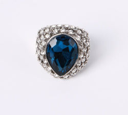 Fashion Jewelry Ring with Cat Eye and Rhinestones Stones