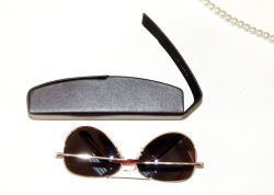 Leather Metal Sunglasses Case Iron Spectacle Case Optical Box Eyeglasses Case for Fashion Sunglasses Optical Wear Optical Glasses (HX291)