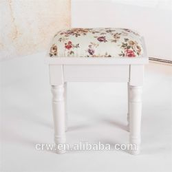 DC-1419s Soft Ottoman with Flowers