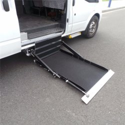 Ce Certified Electric Wheelchair Lift for Car and Van with Loading 300kg