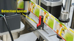 Automatic Labeling Machine for Plastic and Glass Round Bottles Adhesive Label Sticker Packing Machine