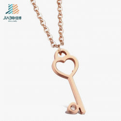 Custom Zinc Alloy Gold Key Pendant in Metal Crafts