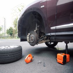 Chinese Supplier Car Emergency Repair Tools 12V Electric Lifting Car Jack and Impact Wrench