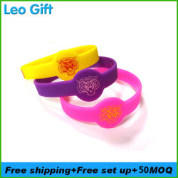 MOQ20PCS Personalized Custom Silicone Bracelet with Deboseed Color Ink Filled for Sport