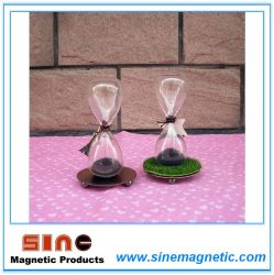 Creative Gift Glass Magnetic Hourglass with Small Eiffel Tower Decoration