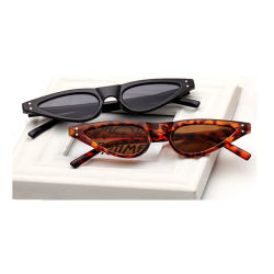 bcdb587e4368 Cat Eye Sunglasses with Triangle Vintage Shape and UV400 Protection Lenses