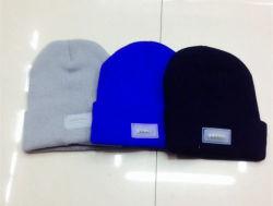 Wholesale Blank Winter Unisex Acrylic Knitted LED Flashing Beanie Hat