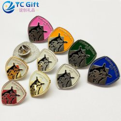 Factory Custom Zinc Alloy Gold Plating Personalized 3D Emblem Award Military Army Us Police Pins School Sport Enamel Metal Crafts Badges with Your Won Logo