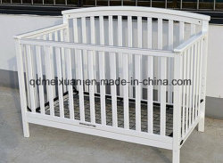 European White Sofa Bed to Send Small Wholesale Solid Wood Crib Fence Children Bed Multifunctional Baby Bed Can Stick a Card (M-X3705)