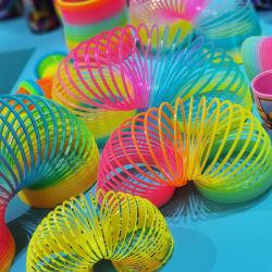 Promotion Cheap Toys 5.5cm Rainbow Spring Gift for Children