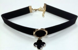 Fashion Jewelry Choker Necklace with Flower Charm with Black Enamel