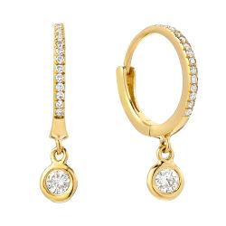 Kundenspezifische S925 silberne Schmucksachen MiniHuggie runde CZ lassen Band-Ohrringe für Damen fallen