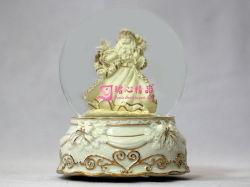 L'eau Junxin Xmas St Claus Globe 24-K de base en porcelaine Décoration dorée et 5,5 pouces H Boîte à musique