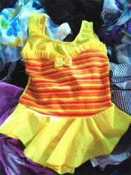 Verwendete kleidende Schwimmen-Abnützung