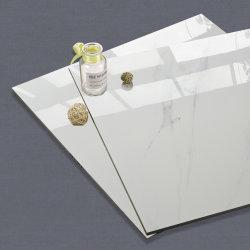 La porcelaine ressemble à du marbre dans l'Espagne carrelage de sol en céramique polie
