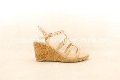 Cunha de conforto de moda de descanso mulheres Sandálias com pernos da moda