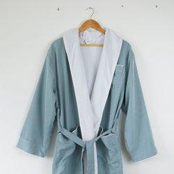 Kundenspezifisches modernes Baumwoll-und Polyester-Schal-Muffen-Bademantel-Luxuxset