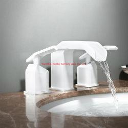 Quadratischer Badezimmer-Bassin-Hahn-Mischer-Chrom-Überzug