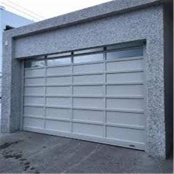 باب الجراج المخصص للرفع العلوي المنزلق أوتوماتيكيًا في منطقة مودرن السكنية