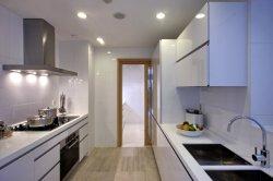 Estilo country personalizada laca blanca cada armario de cocina