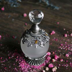 水晶型の精油が付いている25ml Antiqued花から採った香水のびんは装飾的な収集できるギフトのホーム結婚式をびん詰めにする