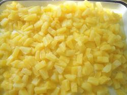 Консервированные фрукты ананас в походов для пиццы