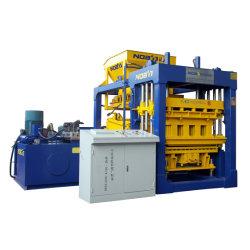 機械を形作り、煉瓦生産ラインQt10-15を舗装するコンクリートブロック