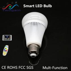 Commerce de gros de l'aluminium E27 RGBW haute puissance Ampoule LED intelligent à distance
