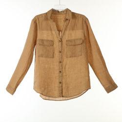 Льняной одежде красителя футболки с двумя карманами