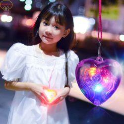 Collier en plastique coloré Sparkle LED et les pendentifs lumineux lumière