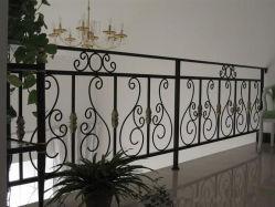 Recintare decorativo delle scale del ferro saldato dell'annata