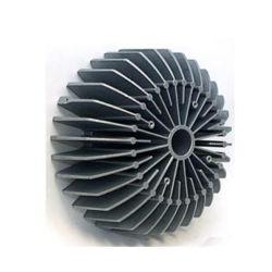 Personalizar Zamak aluminio colado de metal fundido parte de metal forjado ruedas LED Froged Caliente el horno de fundición de metal de fundición de aluminio de fundición de palanquilla Top