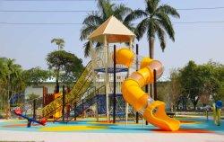 Parque infantil exterior para crianças os slides de Giro