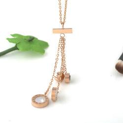 Halskette mit Anhänger aus Edelstahl und Quasten mit Schmuck und Schmuck
