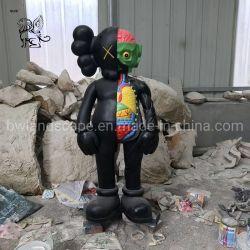 Venda por grosso de resina de Tamanho Real Estátua de fibra de Escultura Kaws Efm-05