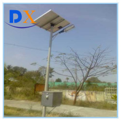 Competitived DC 12 V/24 V Solar LED Street Lamp Preis in Solar LED Street Light