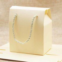 Papier ivoire faveur Bag Pink Wedding boîtes d'emballage lilas boîte cadeau avec poignée